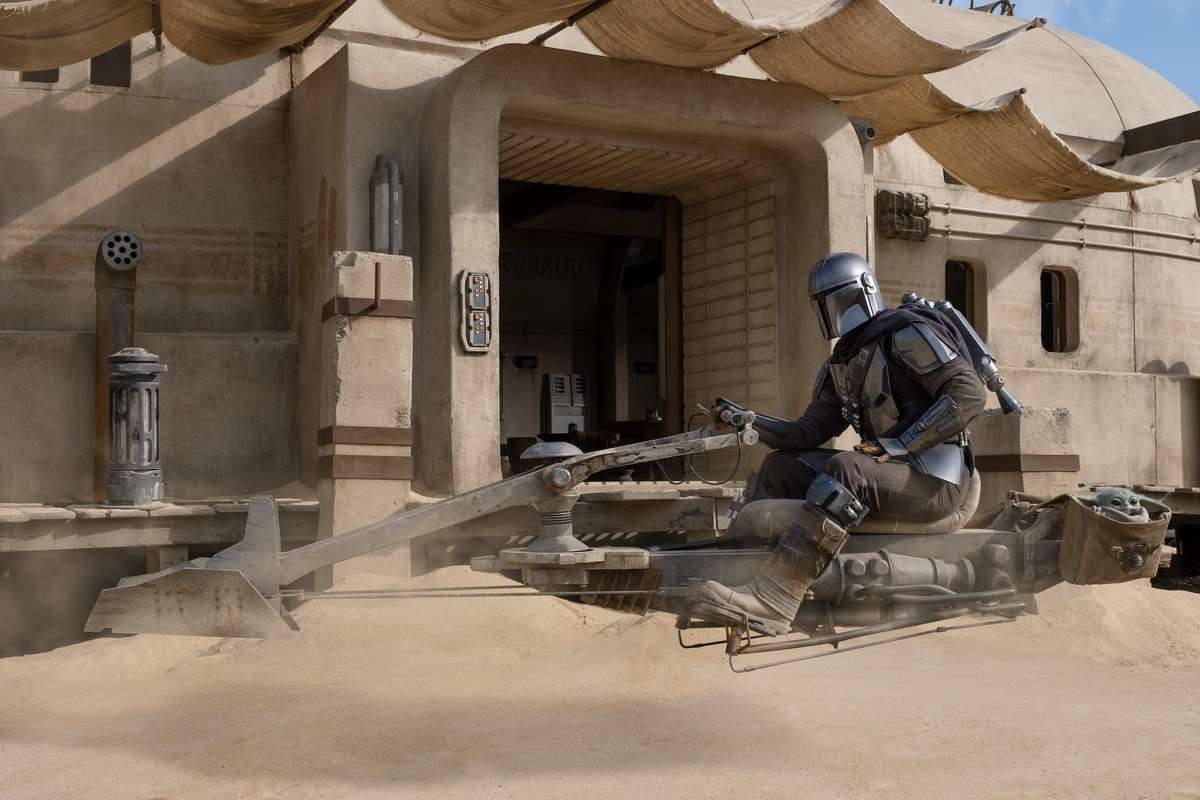 The Mandalorian rides an old speeder in Chapter 9 - The Marshal